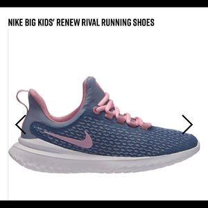 Big Kids Nike Rival Sneakers Size 7Y